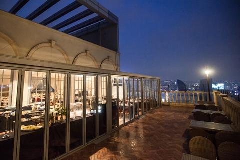 patio_hall_09.jpg