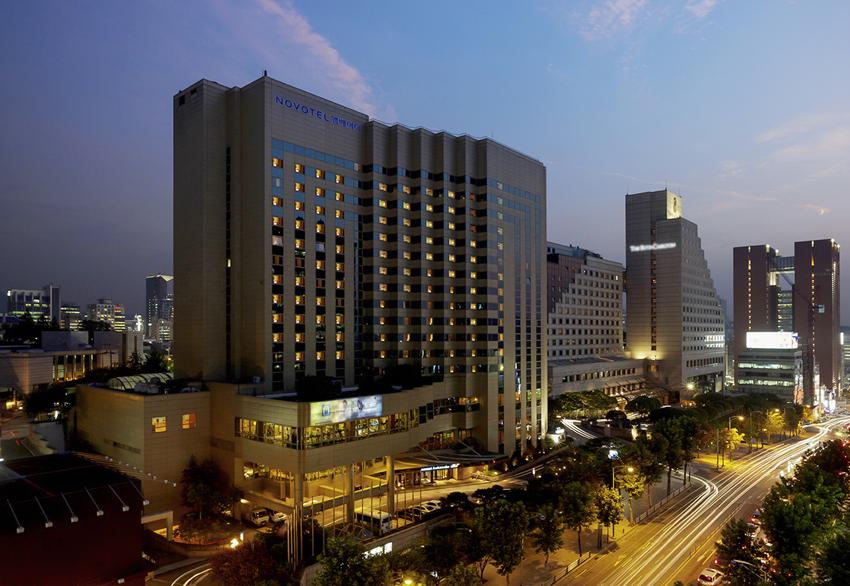 노보텔 앰배서더 서울 강남_호텔전경-20190710-172919.png