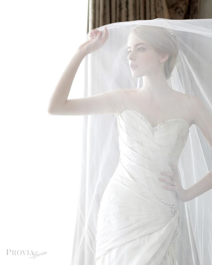 1proviasposa_2015_dresses_16.jpg