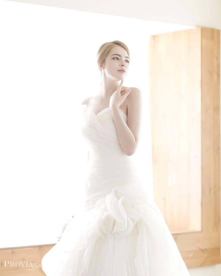 1proviasposa_2015_dresses_12.jpg